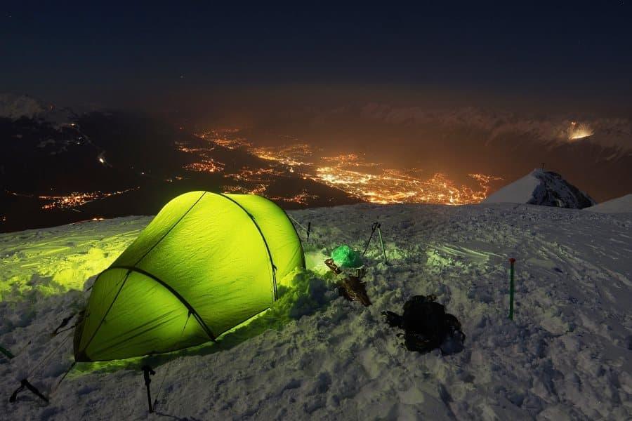 Comment se réchauffer dans une tente ?